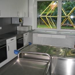 Neuer Küchenbereich für die Schule und die Essensausgabe