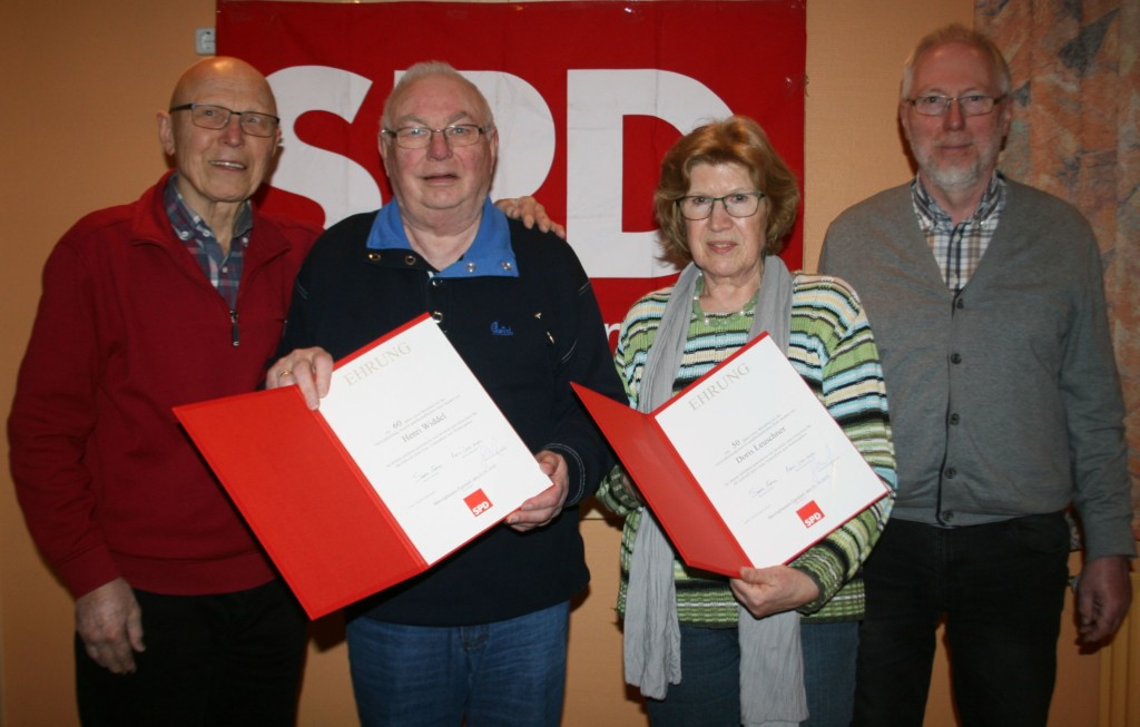 Ehrungen von links: Günter Gottschalk, Henri Widdel, Doris Leuschner, Michael Wittich