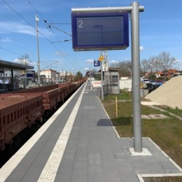 Neu gestalteter Bahnsteig an Gleis 2 des Bahnhofes Barsinghausen