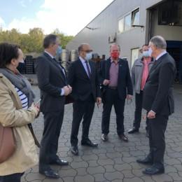 Schüßler, Prokurist Traeger, Betriebsrat Hülsemann, Schünhof, Weil, Felek