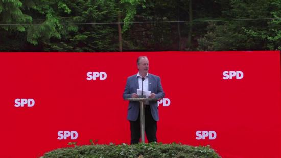Henning Schünhof auf der Mitgliederversammlung der SPD Barsinghausen